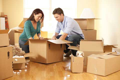 family packing together with Brisbane Removalists